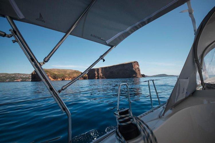 Bavaria Yachtbau's 37.0 feet in Azores