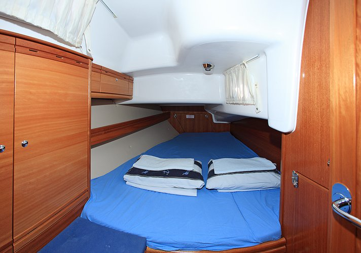 Discover Zadar region surroundings on this Bavaria 38 Cruiser Bavaria Yachtbau boat