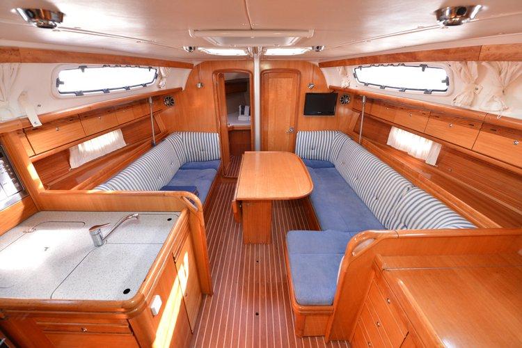 38.0 feet Bavaria Yachtbau in great shape