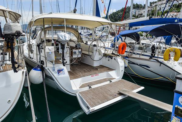 Discover Aegean surroundings on this Bavaria Cruiser 40 Bavaria Yachtbau boat
