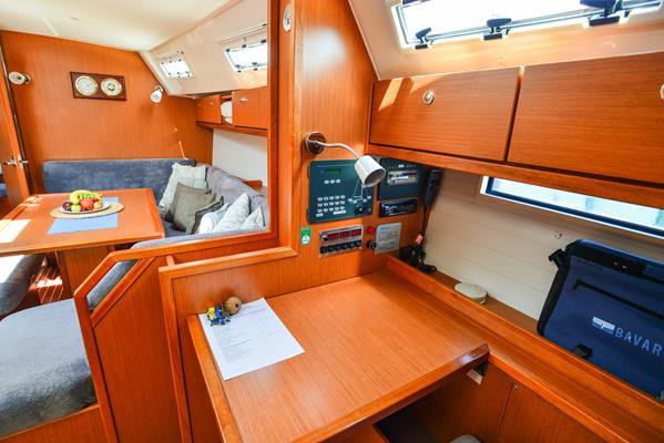 This 39.0' Bavaria Yachtbau cand take up to 6 passengers around Aegean
