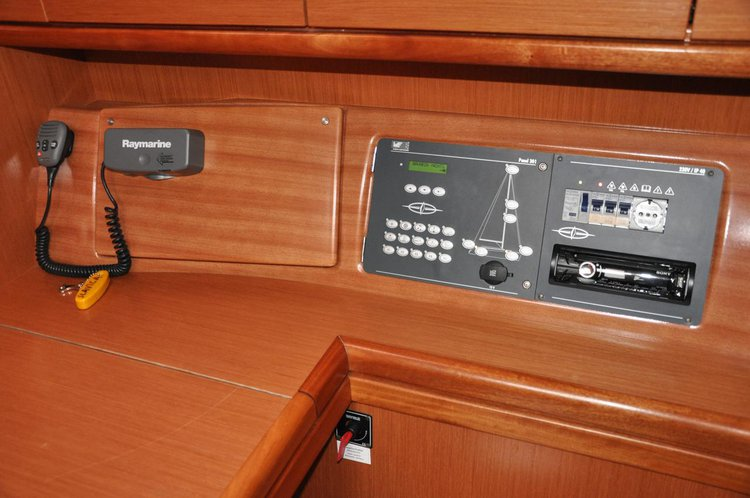 Discover Zadar region surroundings on this Bavaria 40 Cruiser Bavaria Yachtbau boat