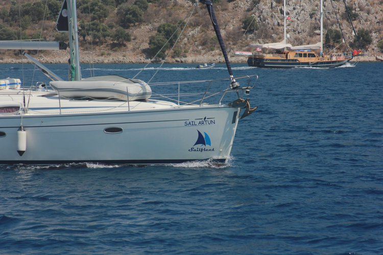 Boat for rent Bavaria Yachtbau 42.0 feet in Aegean,