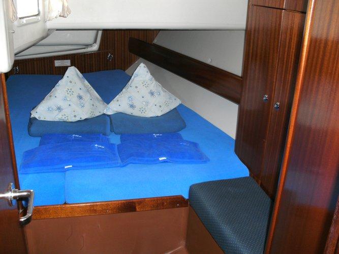 This 45.0' Bavaria Yachtbau cand take up to 8 passengers around Split region