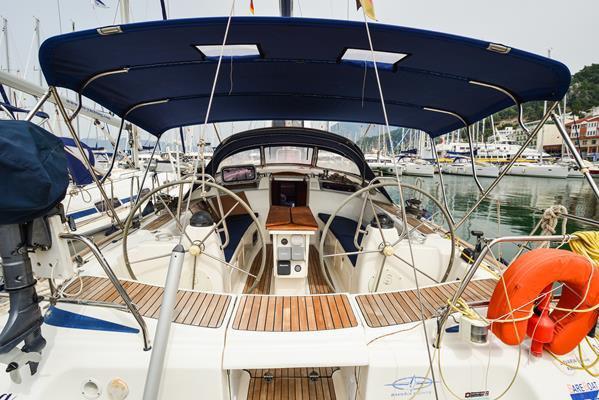 This 47.0' Bavaria Yachtbau cand take up to 8 passengers around Aegean