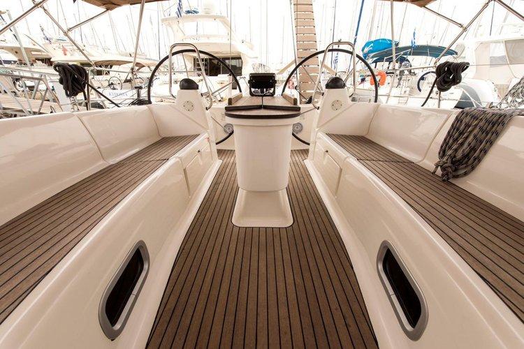 This 47.0' Bavaria Yachtbau cand take up to 8 passengers around Saronic Gulf
