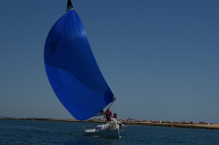 Racer boat rental in Faro, Portugal