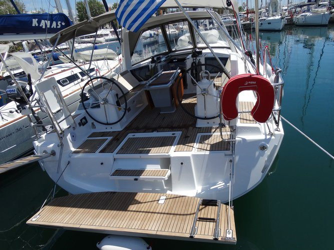 Discover Ionian Islands surroundings on this Oceanis 41.1 Bénéteau boat