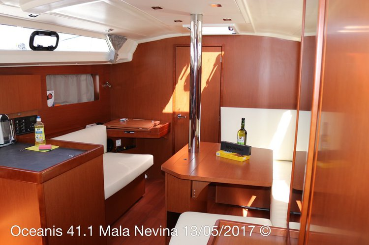 Discover Split region surroundings on this Oceanis 41.1 Bénéteau boat