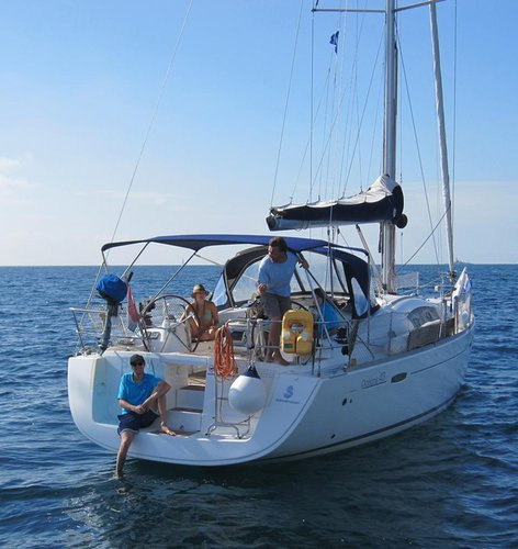 Sail the beautiful waters of Istra on this comfortable Bénéteau