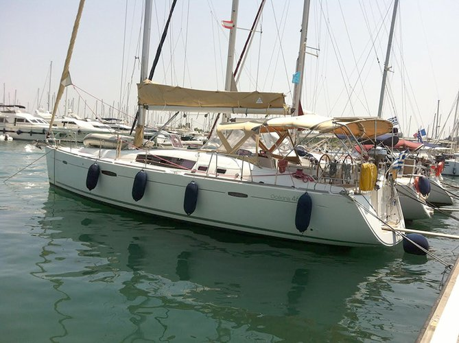 Discover Ionian Islands surroundings on this Oceanis 46 Bénéteau boat