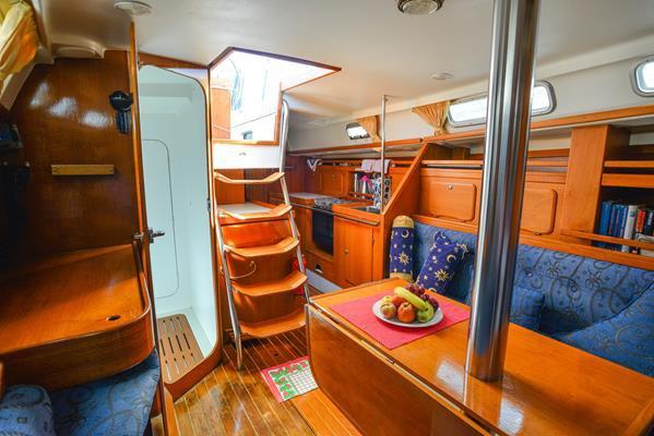 33.0 feet C-Yacht in great shape