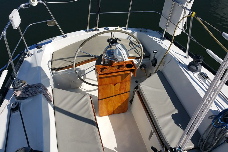 Discover Sag Harbor surroundings on this 4800 Dufour boat