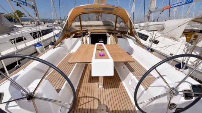 Boat for rent Dufour Yachts 33.0 feet in Marina Kornati, Biograd,