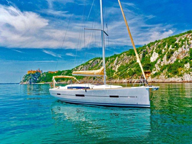 Dufour Yachts's 41.0 feet in Campania