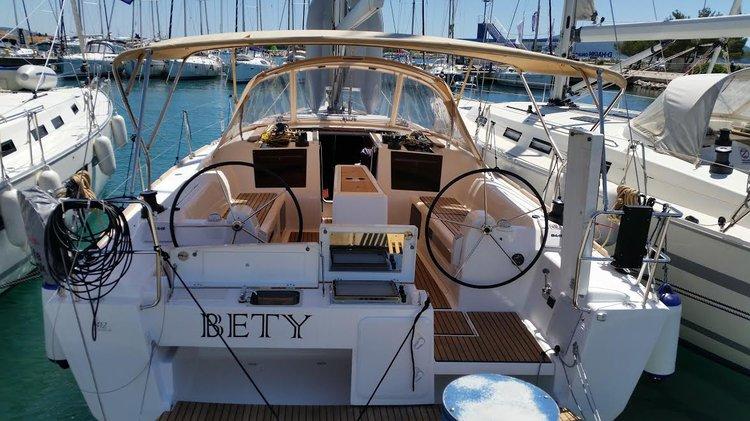 Boat for rent Dufour Yachts 41.0 feet in Marina Dalmacija, Sukosan,