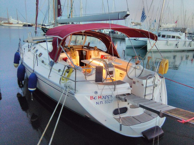 Jump aboard this beautiful Dufour Yachts Gib Sea 43