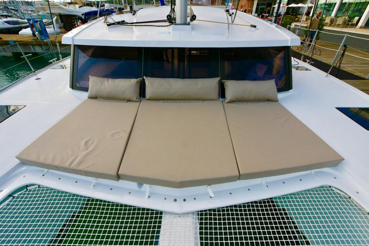Boat for rent Fountaine Pajot 38.0 feet in Campania,