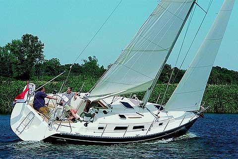Experience Lazio on board this amazing Hanse Yachts Hanse 341