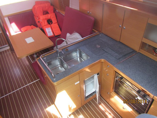 Discover Zadar region surroundings on this Hanse 400 Hanse Yachts boat