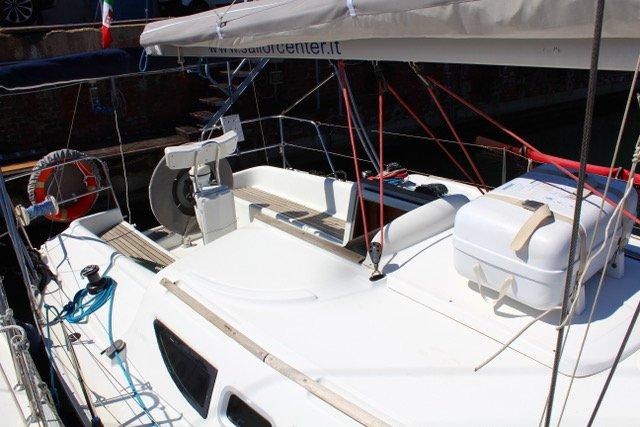 31.0 feet Jeanneau in great shape