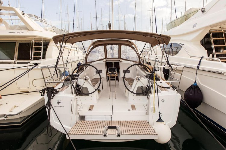 Boat for rent Jeanneau 33.0 feet in Athens - Marina Alimos (Kalamaki), Greece