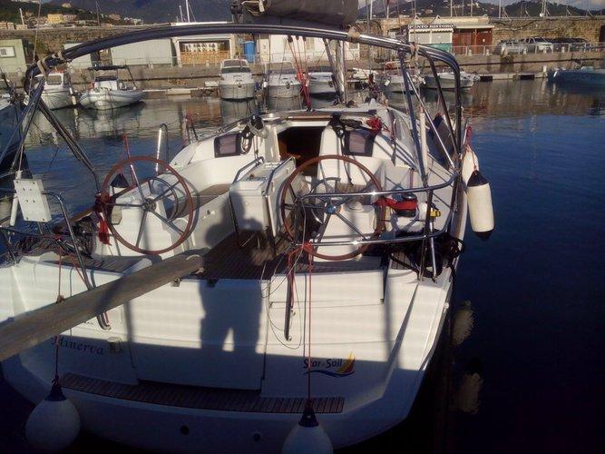 Jeanneau's 37.0 feet in Campania