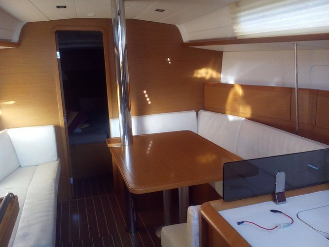 Boat for rent Jeanneau 37.0 feet in Campania, Italy