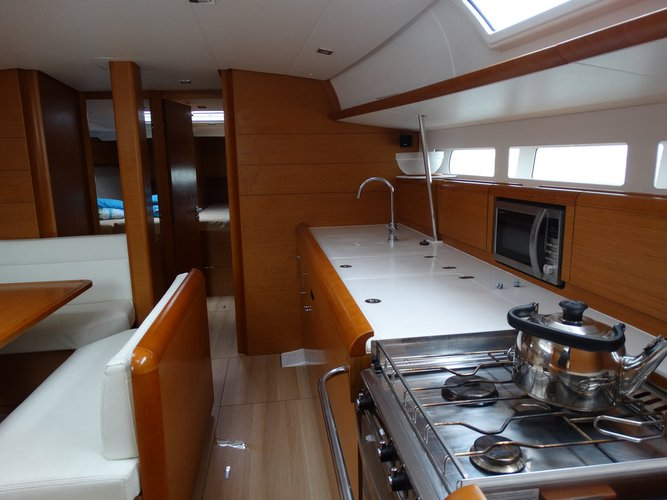Discover Saronic Gulf surroundings on this Sun Odyssey 509 Jeanneau boat