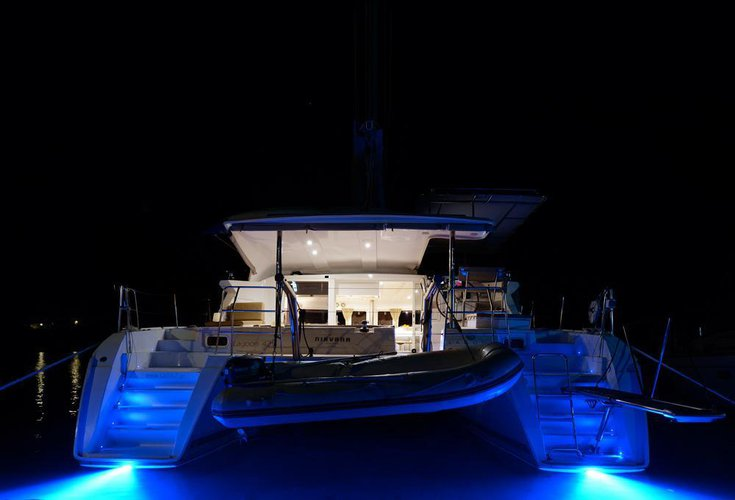 This 41.0' Lagoon-Bénéteau cand take up to 9 passengers around Ionian Islands