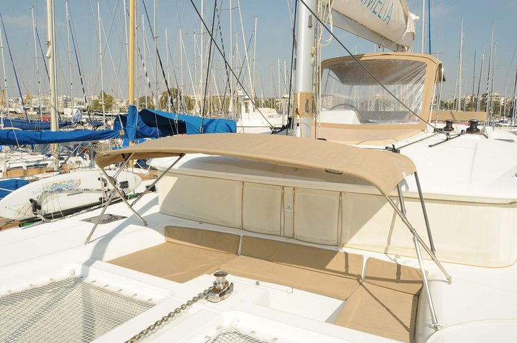 This 45.0' Lagoon-Bénéteau cand take up to 8 passengers around Saronic Gulf