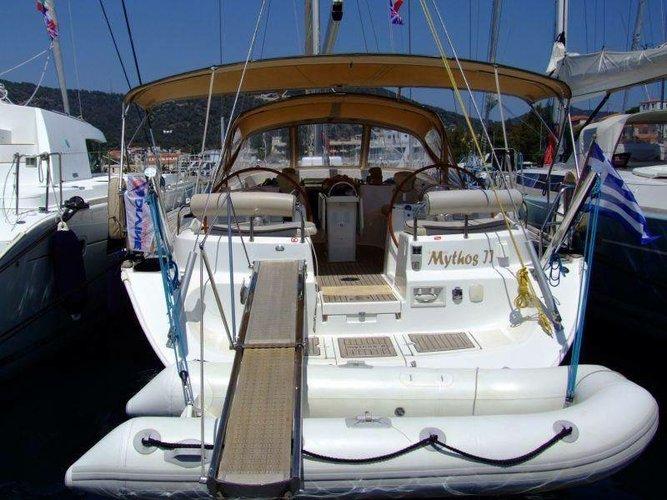 This 54.0' Ocean Star cand take up to 8 passengers around Saronic Gulf