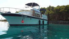 Charter this amazing Trader Trader 41+2 fly in Zadar region