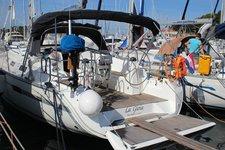 This Bavaria Yachtbau Bavaria Cruiser 40 is the perfect choice
