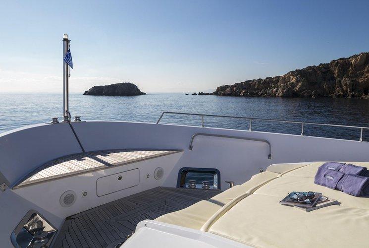 Mega yacht boat for rent in Alimos