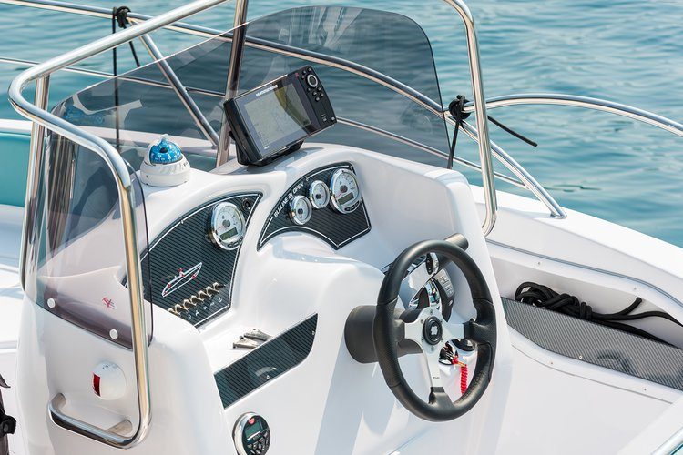 Discover Istra surroundings on this Bluline 21 Open Blumax (Bluline) boat