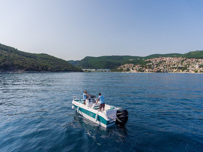 Boating is fun with a Other in Istra