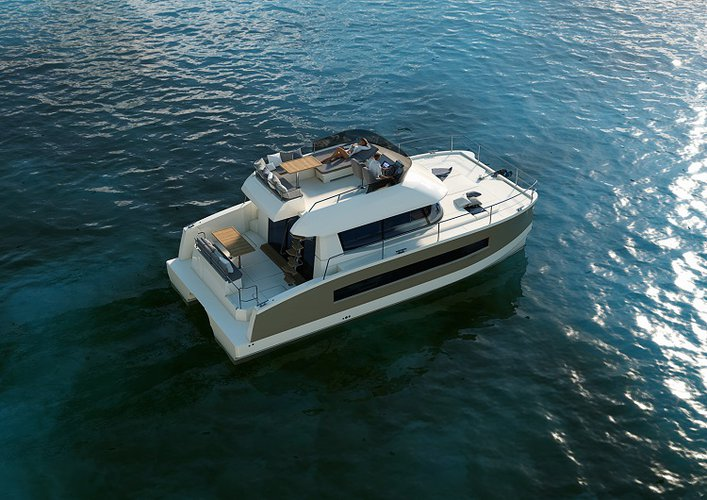Motor Catamaran (up to 18 people)