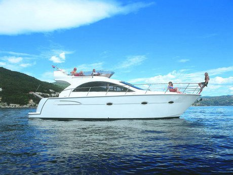 Take this Pearl Sea Yachts d.o.o. Pearlsea 40 Fly for a spin !