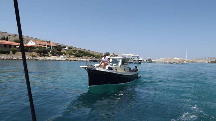 Up to 2 persons can enjoy a ride on this Other boat