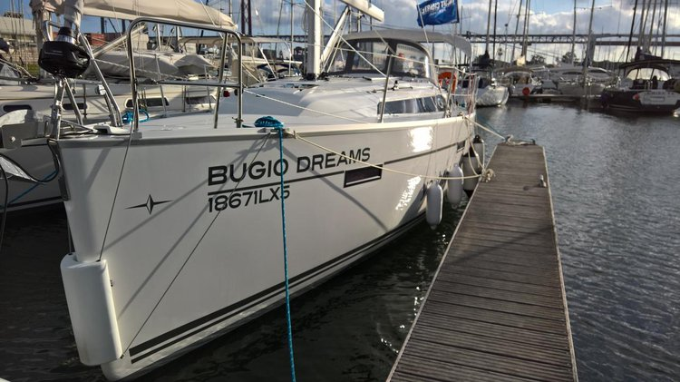 Boat for rent Bavaria Yachtbau 37.0 feet in Lisboa, Portugal
