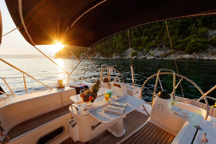 This 45.0' Bavaria Yachtbau cand take up to 10 passengers around Split region