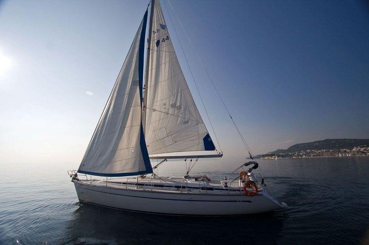 Jump aboard this beautiful Bavaria Yachtbau Bavaria 44