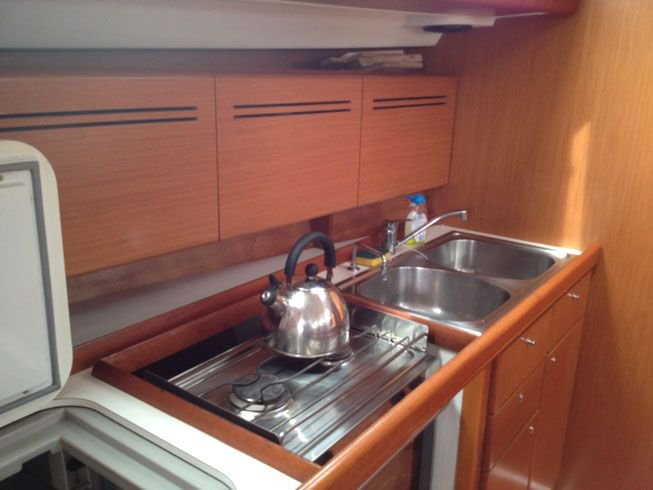 Discover Ionian Islands surroundings on this Cyclades 50.5 Bénéteau boat