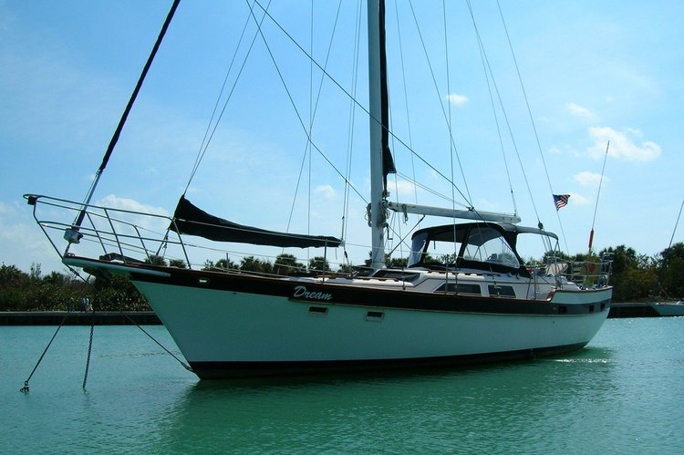 Sail the Charming Waters of New England in this Beautiful Sailboat!