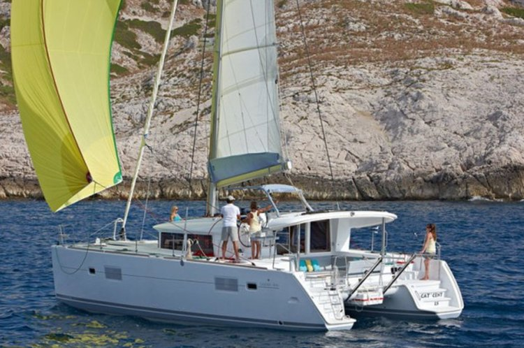 Boat for rent Lagoon 39.0 feet in Alimos Marina,