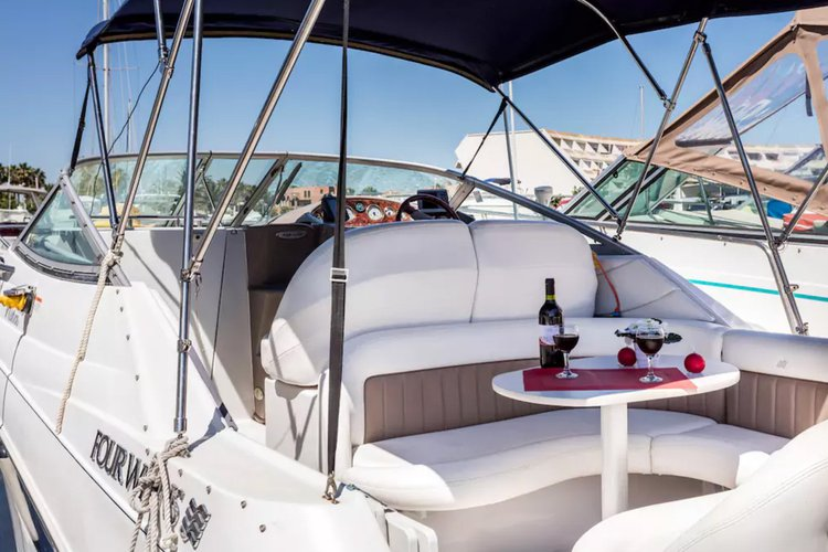 Boat for rent Four Winns 25.0 feet in Cap D Agde,