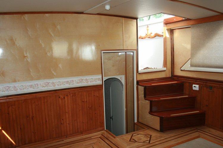Classic boat for rent in Palmetto