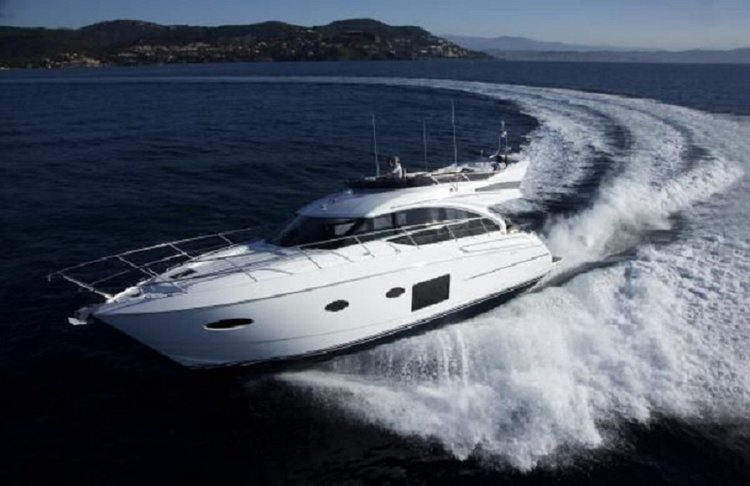 Stunning Motor Yacht for up to 6 Guests