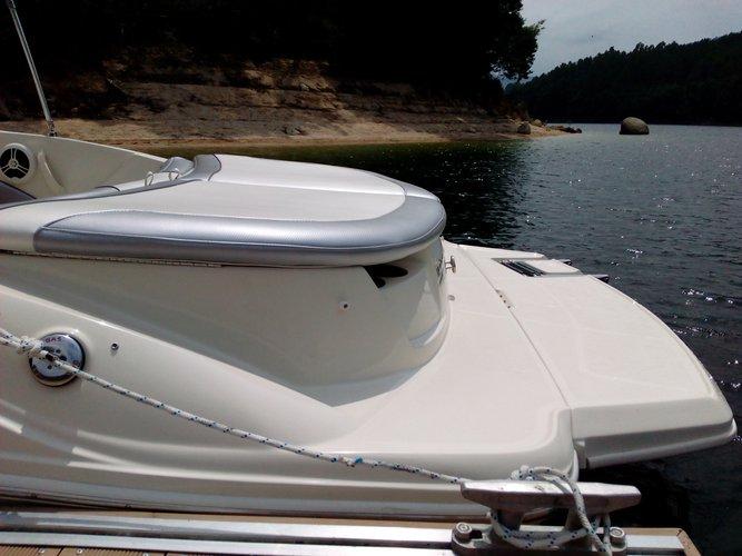 Boat rental in Rio Caldo,